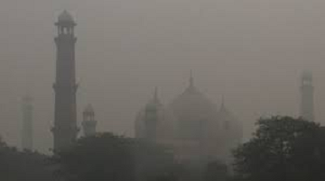 A smoggy morning in Lahore