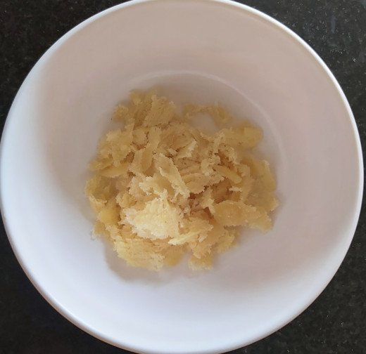 Take 1-2 tablespoons of jaggery (or sugar) in a bowl. Keep aside.