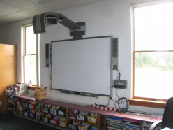 Operating the Smartboard Interactive White Board with Ease!
