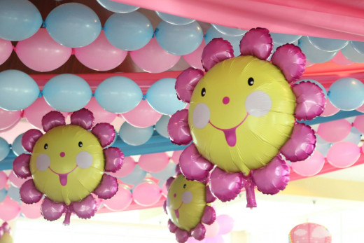 swags, linking and mylar/ foil balloons