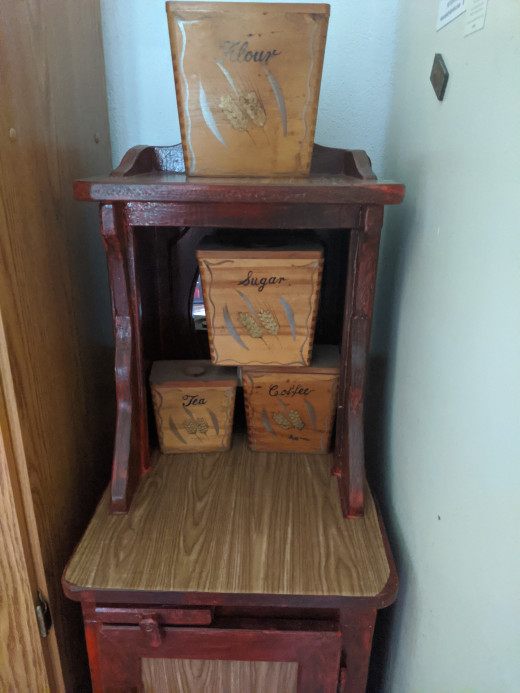The vintage wooden boxes really make it go, don't you agree?
