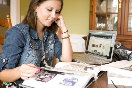 Does Distance Learning always deliver comprehensible information to students? Or does their mind tend to wonder?