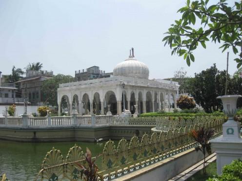 Beautiful back view of Kolkata Jain Dadabadi