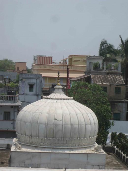Kolkata Jain Dadabadi: Dom