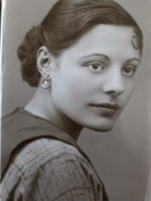 Dad's sister, my Auntie Ivy.