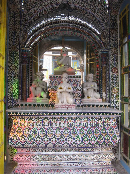Sri Kalyan Suri Temple: He was the Guru Of Rai Badridas who erected the temple.