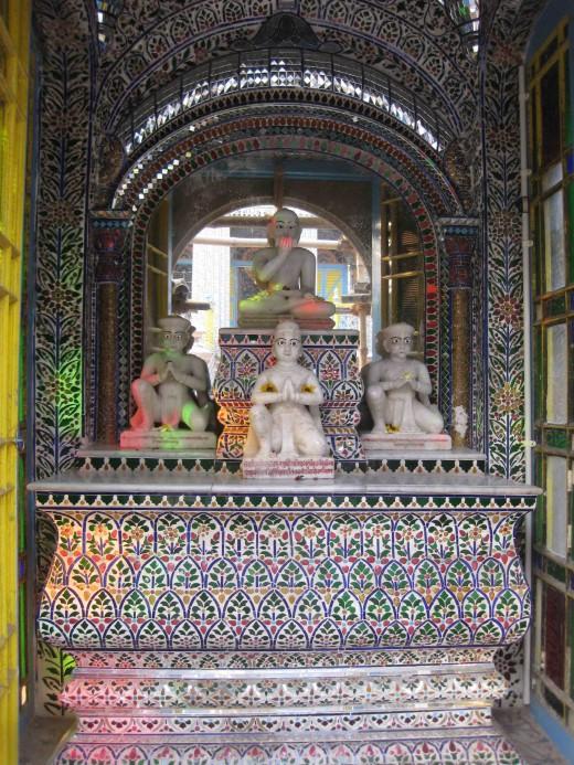 Sri Kalyan Suri Temple: He was the Guru Of Rai Badridas who erected the temple.