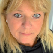 womenfishing profile image