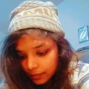 Pooja momi profile image