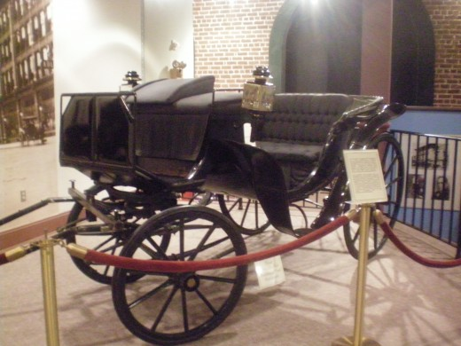 """The """"Victoria"""" carriage, one of the modes of transportation used in the early 1900's."""