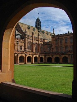 Melbourne University Education in Australia.