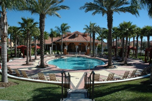 Relax in the Solana Davenport Resort Clubhouse and Swimming Pool.