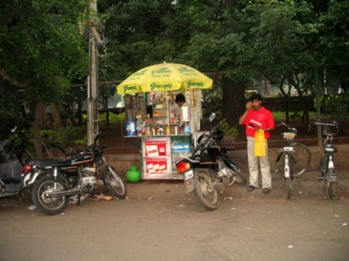 A Pan Shop to enjoy the BABA 120 Tobacco pan spiting all around the road.