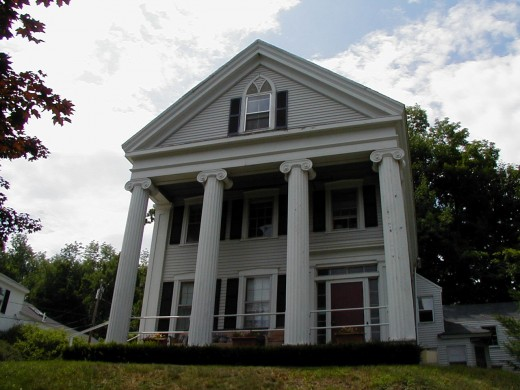 Image:http://hallowell.govoffice.com  Classic Greek Revival home in Hallowell Maine