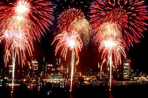 Yipppeeeee! (Fireworks at Detroit/Windsor; public domain)