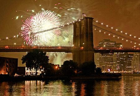 Brooklyn Bridge on New Years Eve, New York