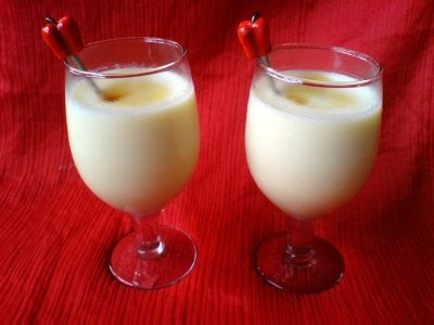 Jackfruit Shake: 5 pieces of pitted Jackfruit, 2 cups of milk, 5 tbsp of sugar, 2 tsp of honey; blend well..Courtesy. blogspot.com