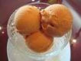 Three scoops of delicious lucuma ice cream!
