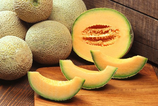 Cantaloupe whole and sliced