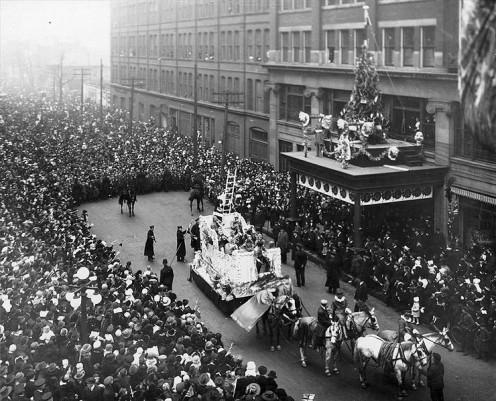 1918; Eaton's Santa Claus Parade