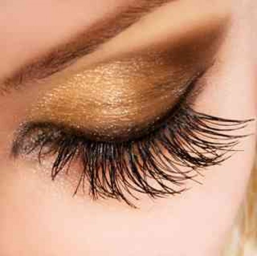 Try some garlic oil for lashes like these.