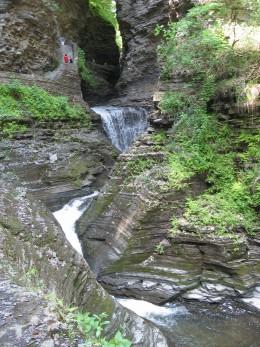 Minnehaha Falls (21 feet)