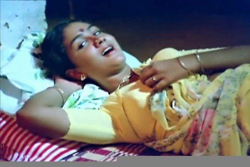malayalam actress Urvashi blouse exposing pics