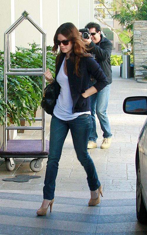 Rachel Bilson in tight jeans and suede high heels