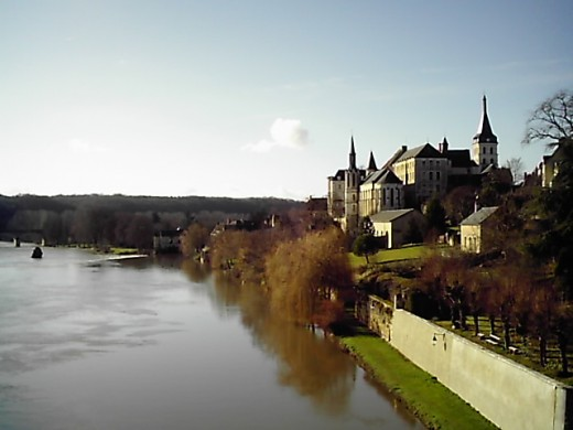 Saint Gaultier's Church, school and the Creuse river
