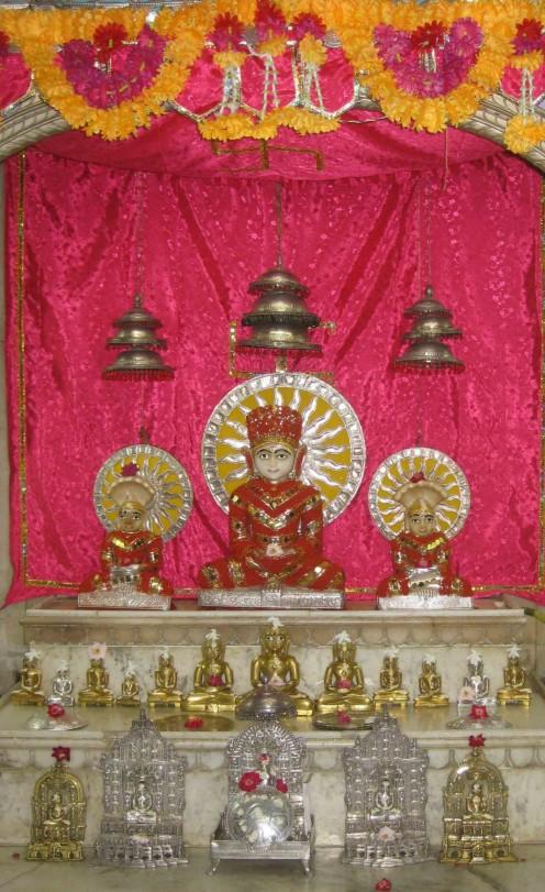 Mulagambhara, the inner sanctum: Mulanayak Shree Sambhavanath and several  Tirthankar other idols at Sambhavnath temple, Jiaganj.