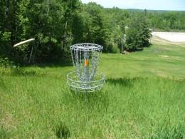 disc golf putt on hole 2