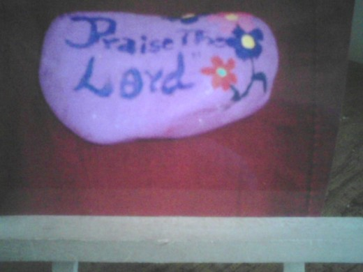 This  is a gratitude rock that praises God.