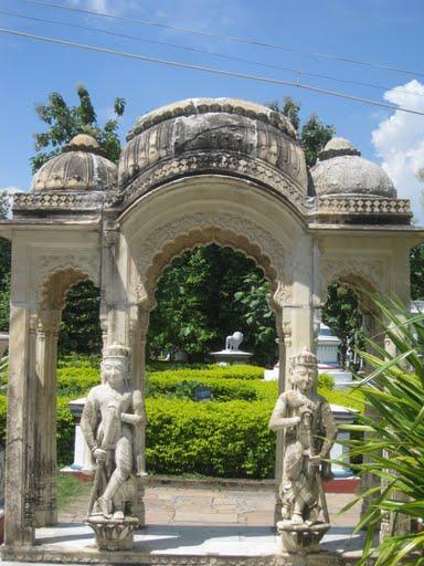 Torandwar, Katgola temple