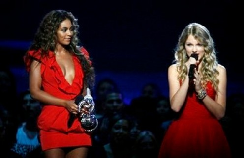 Beyonce' Giving Taylor Swift The Spotlight She Very Well Deserved