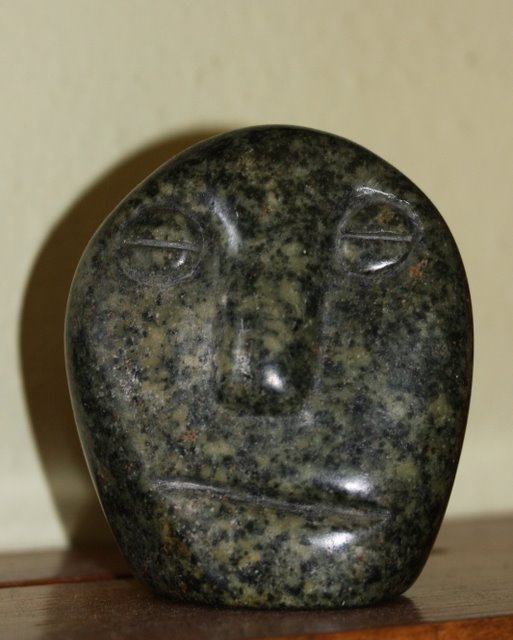 Small Stone Head Carved in Serpentine by Fanizani Akuda