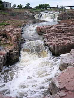Waterfall at Falls Park, Sioux Falls, South Dakota (public domain)