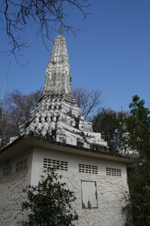 The climb to the wat is worth the effort!