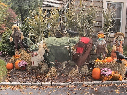 Don't You just Love The Imagination in Fall Displays? (Photo Credit: Wikipedia Commons)