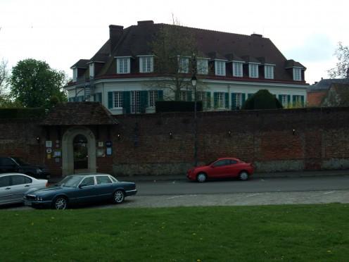 Chateau De Montreuil Hotel