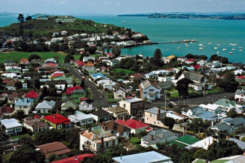 Online home appraisals for New Zealand waterfront properties.