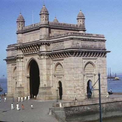 Gateway of India-In the central part of Mumbai.Built to welcome the Emperer,King George the Fifth,this stone arch was built in 19th century. From here you can catch a motor boat to Elephanta caves