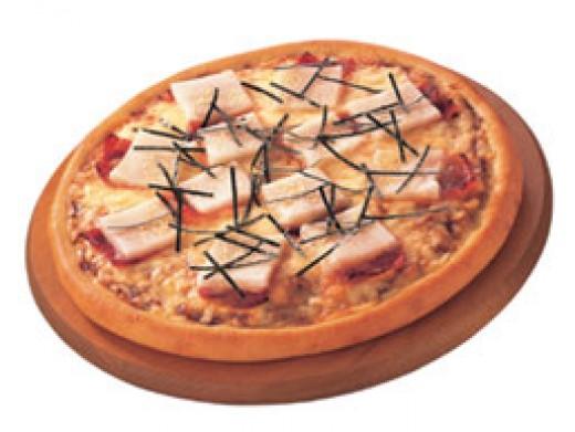 Nooooooooooooo......... not rice cake and Toro sushi on a pizza with cheese and bacon... I think I'm going to cry!