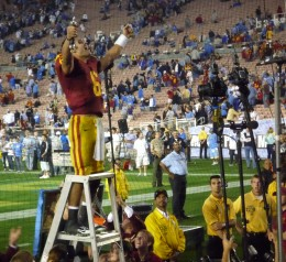Mark Sanchez saluting fans in what would be his final game as a USC Trojan