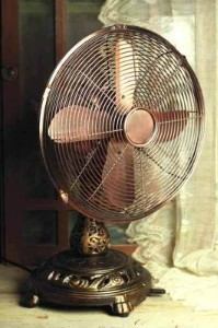 Old Moracco desk fan photo found at Kaboodle dot com.