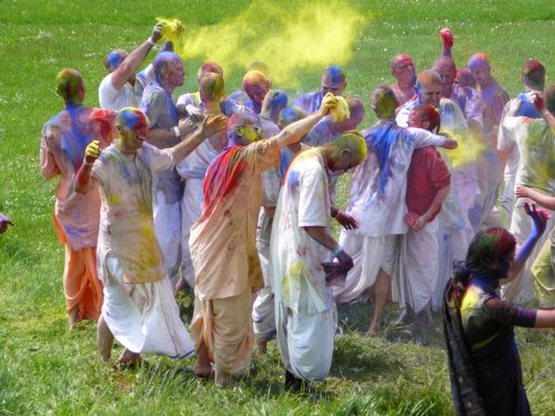 Throwing of colours