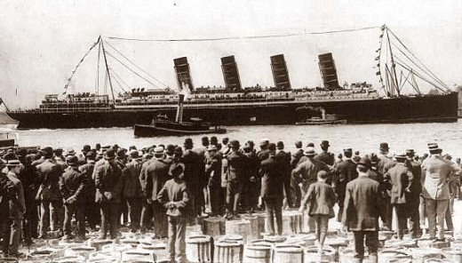 Lusitania arrives in New York at the end of her maiden voyage, September 13, 1907.
