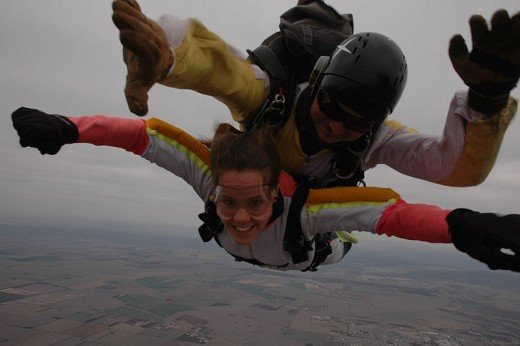Tandem sky-diving by Dinanna1, Image courtesy of Wiki Commons