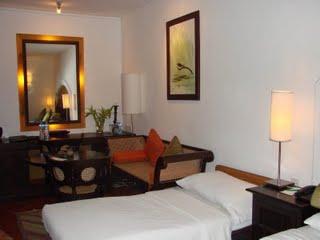 Luxury bedroom in Cinnamon Lodge
