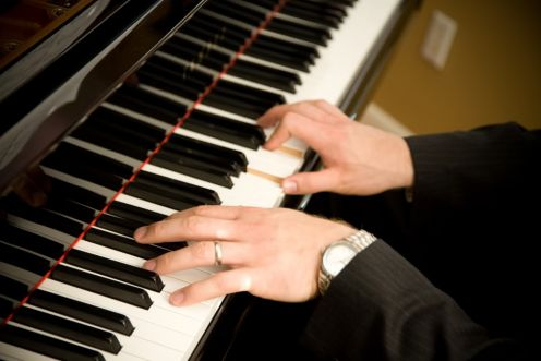 Play Smooth Jazz and Blues on piano