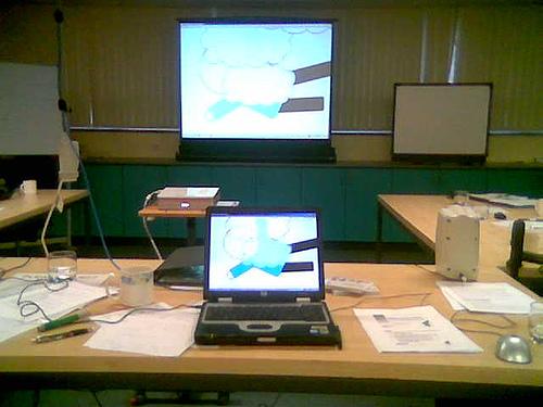 Teaching Online Photo by: joannamkay